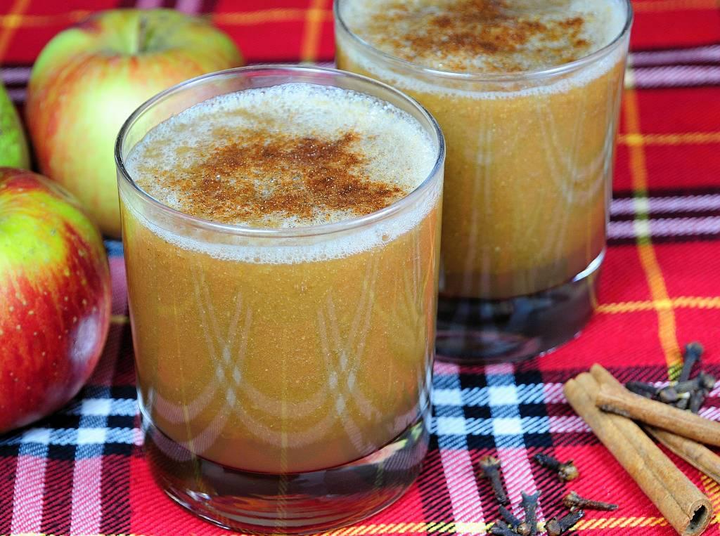 Teplé jablečné smoothie