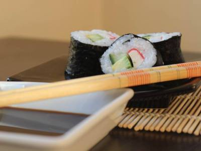 Maki suši s krabími tyčinkami