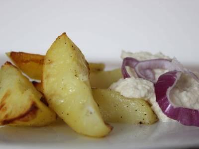 Zapékané brambory statarskou omáčkou