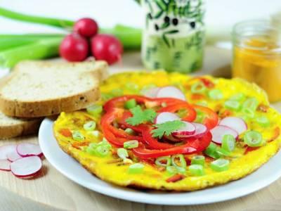 Kari omeleta s ředkvičkami