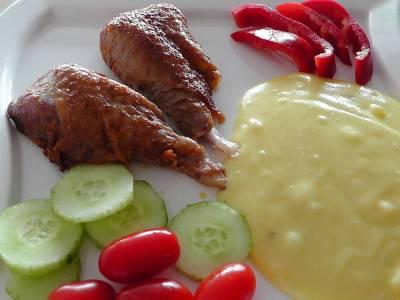 Pečené krůtí stehno s bramborovou kaší