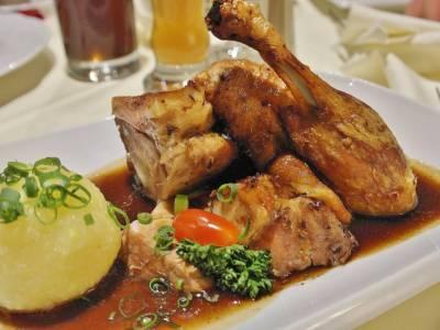 Pečené kuře se šťouchanými brambory