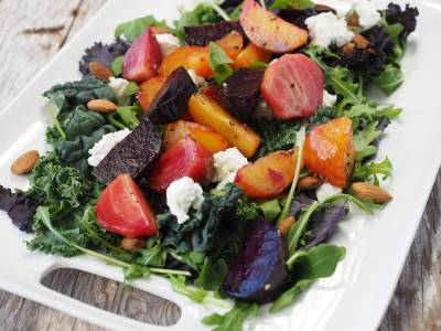 Zeleninový salát s červenou řepou