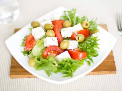 Feta salát s olivami