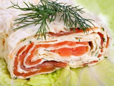 Sýrová roláda s uzeným lososem