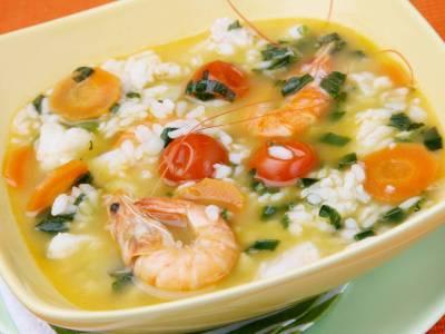Rýžová polévka s krevetami