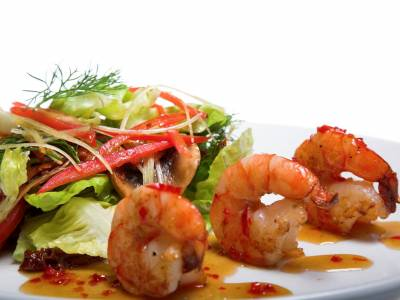 Salátek s pikantními krevetkami