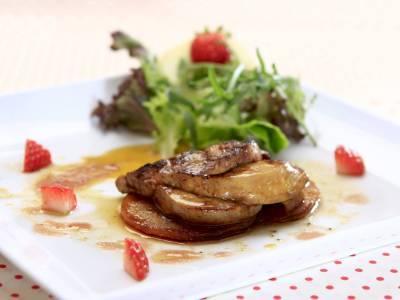 Restované foie gras s jahodami