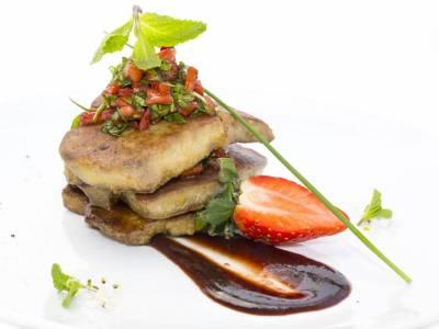Foie gras s jahodovou marmeládou