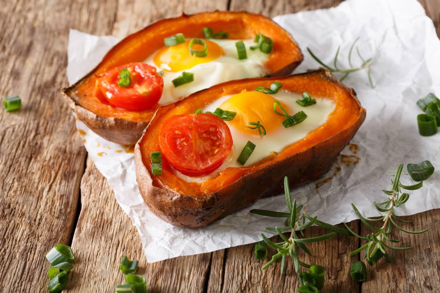 Pečené batáty s vejcem