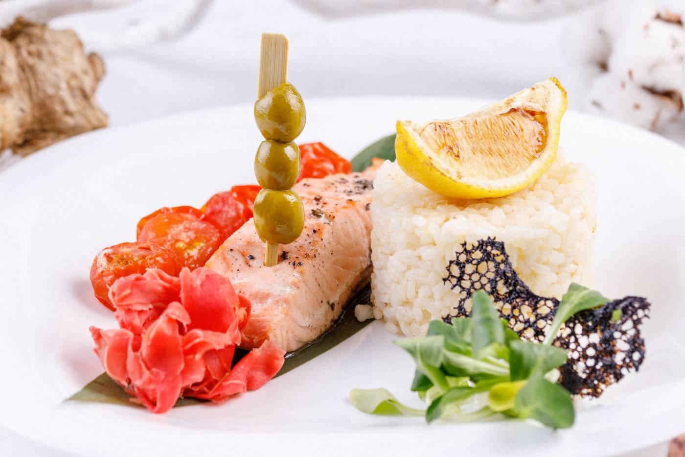 Losos s parmskou šunkou a rýží